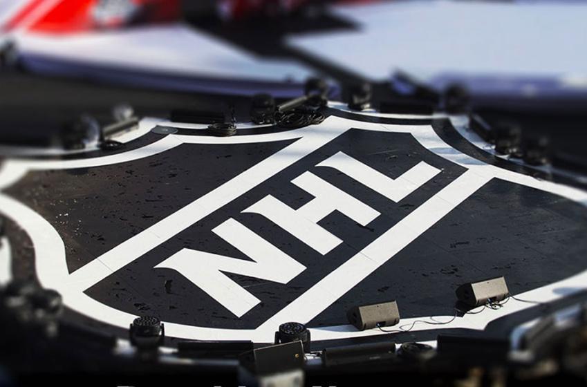 Dernière heure: La LNH suspend un défenseur pour mise en échec illégale!